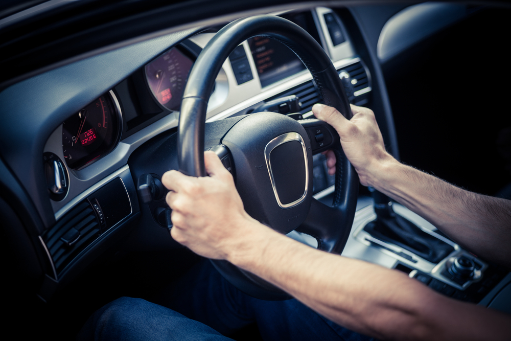 holding a steering wheel correctly