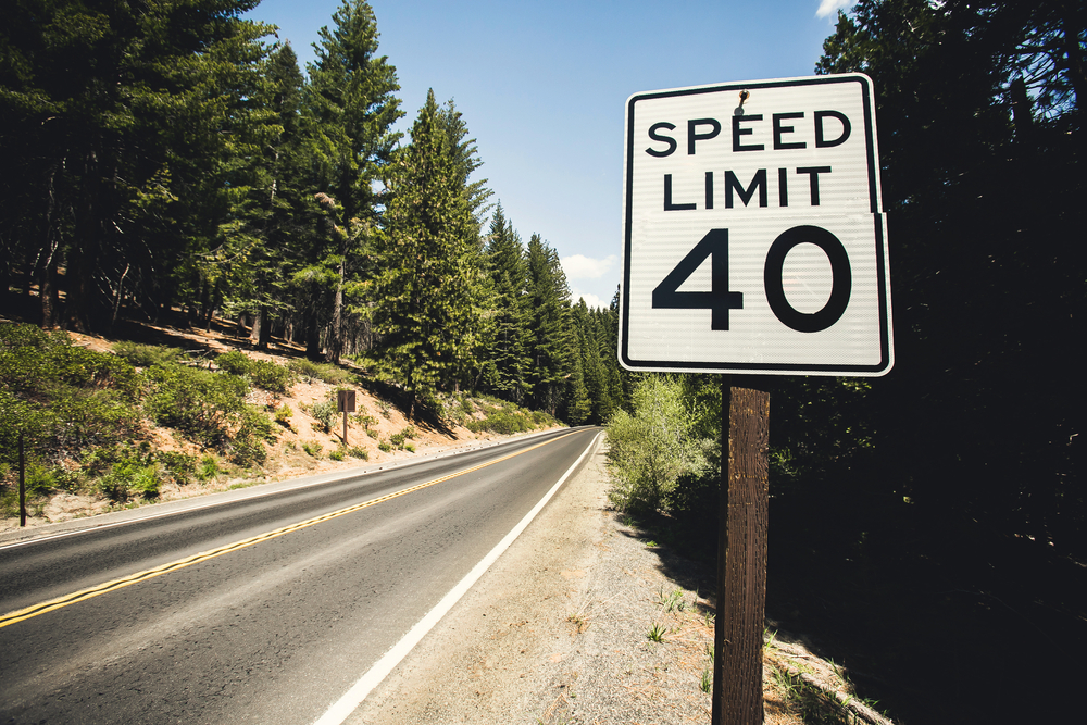 driving for no speed limits The speed limit on a dual carriageway is 'national speed limit' which is 60mph for a car, and 50mph for a car towing a trailer you will often find slower-moving road users on single carriageways so always be aware of cyclists, tractors or equine.