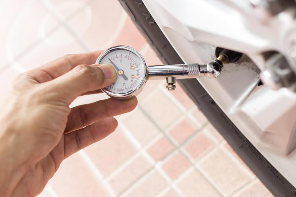 tire-pressure gauge